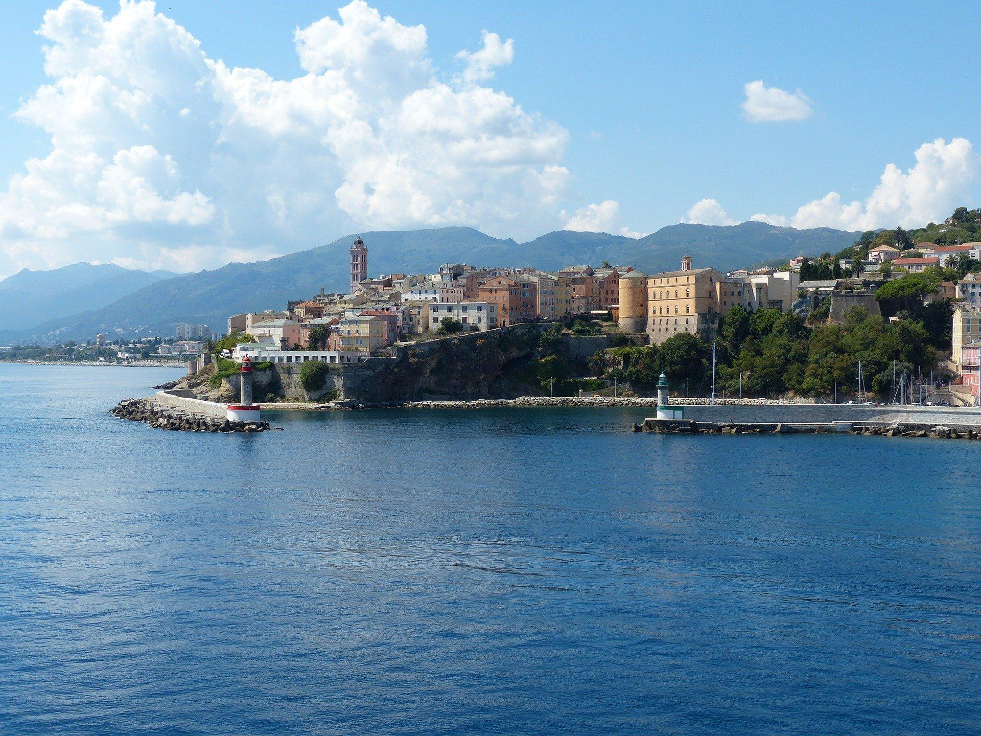 Dès 91€ p.p : vol aller-retour pour Bastia à petit prix !