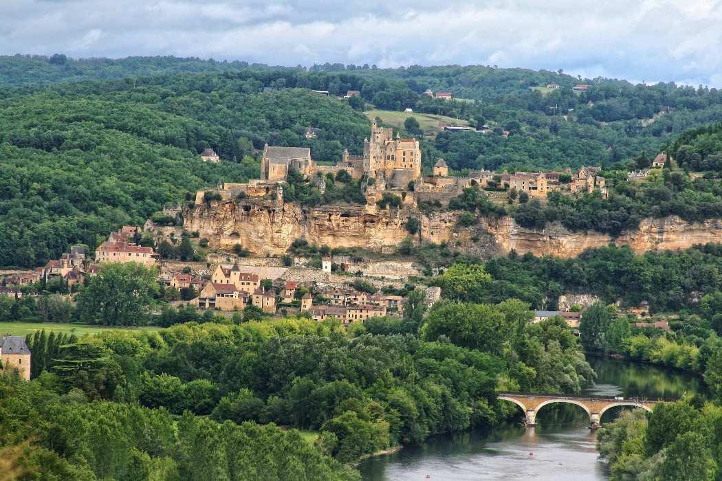 Dès 245€ par hébergement : vacances dans l'un des plus beaux villages de France !